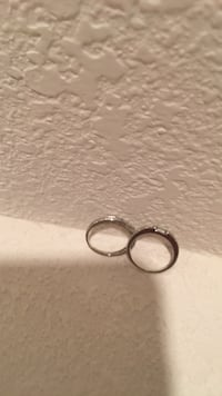 Pair of white gold ring with basic design Monument