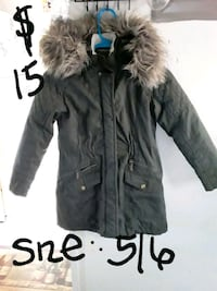 Girls fur green parka size 5/6 Suitland-Silver Hill, 20746