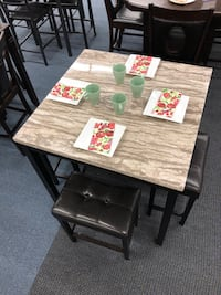 Counter Height  Table + 4 Stools Union, 07083