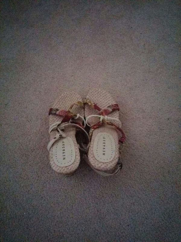 f8d8d0bd456e Used brown-and-red open toe platform sandals for sale in Burnaby - letgo