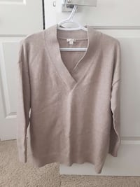 Gap brand womens sweater size Medium