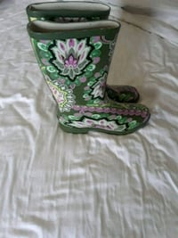 Womans green and pink floral rain boots Waldorf, 20602