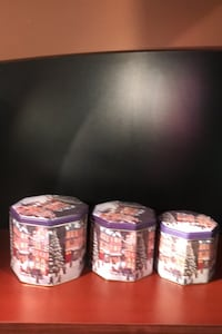 3 tin Christmas containers Laval, H7R 4P8