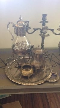clear glass pitcher and cups Lubbock, 79415