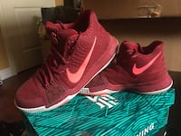 Nike Kyrie Irving 3 size 7 Vaughan, L4L 1A6