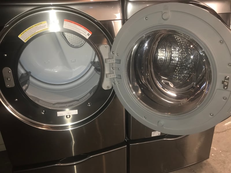 Samsung stackable stainless steel front load washer and electric 220v 229e970e-bc17-418f-ad0f-9abd50b37832