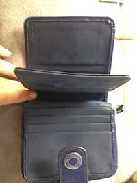 Black and purple coach wallet London, N5Z 3S4