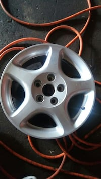 One Lexus GS Wheel (1)