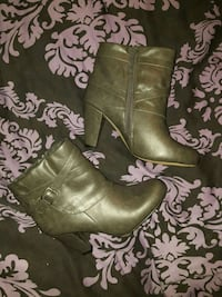 Gray, size 8 booties