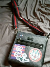 black and red leather crossbody bag Cambridge, N1R 8C4