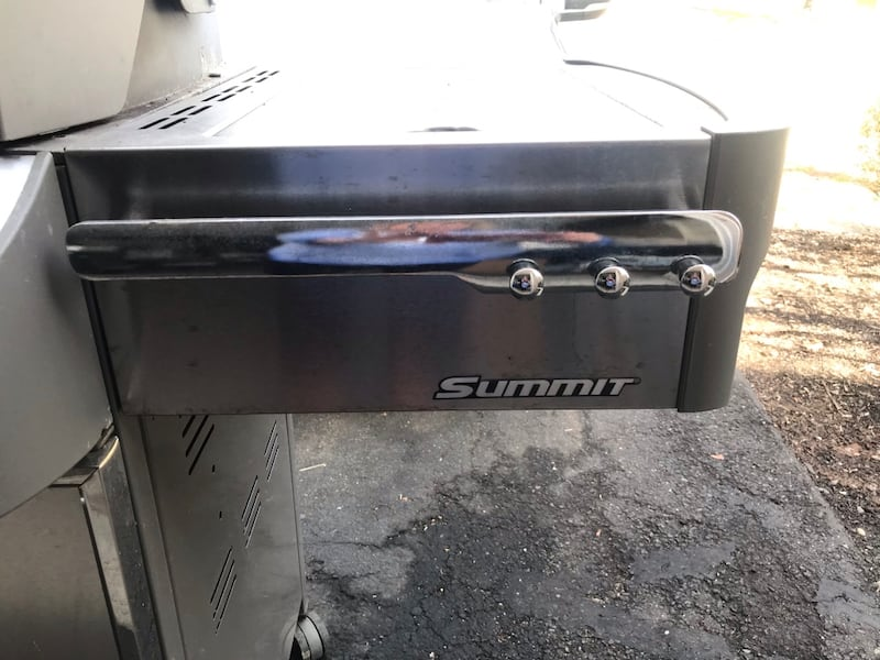 Weber Summit gas grill with rotisserie and side burner. Best Offer d592eeec-4f13-4869-91be-2e4f01df9e47