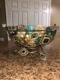 Large Jeweled Peacock Bowl Martinsburg, 25401