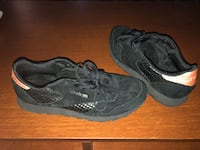 Reebok woman's shoes. Size 9.5 brand new never used   Keswick, L4P 3N4