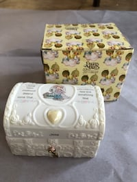 Precious Moments Jewellery Box with Simulated Birthstone - June Pearl