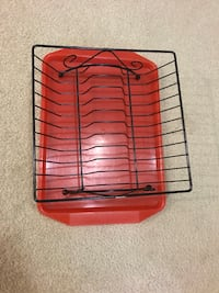 Dish drying rack with tray