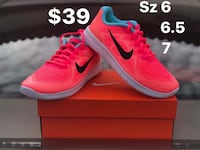 Pair of nike running shoes brand new never used Sacramento, 95838