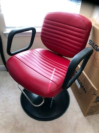 red and black rolling chair Cheltenham, 20623