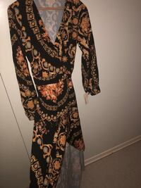 black and brown floral long-sleeved dress Toronto, M8X 1X3