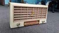 Silvertone Vintage Cream Radio VANNUYS