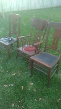 3 antique chairs 30$