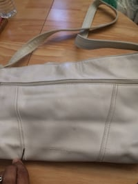 White and black purses- good used condition. Inbox to meet. $10 each. Rancho Cordova, 95670