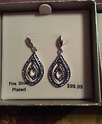 pair of silver-colored earrings Hollister, 65672