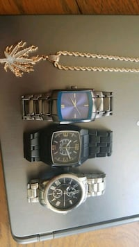 3 base metal bezel watches and chain Youngstown, 44504