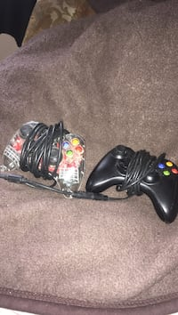 2 Xbox 360 controllers (read description) Halifax, B3K 4S5