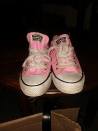 Pink converse  Winchester, 22601