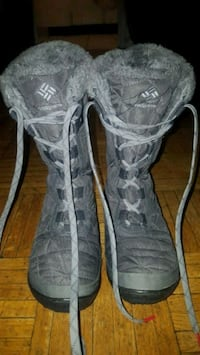 Woman winter boots size 7 Mississauga, L5A 2J8