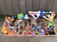 assorted-color plastic toy lot Ontario, 91764