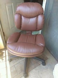 Brown leather paded Rolling chair San Antonio