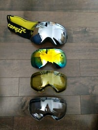 Ski/Snowboarding goggles with replacement lens. Montreal, H3C 6W1
