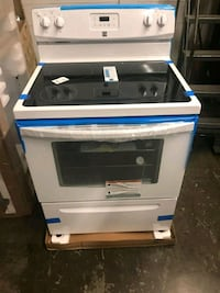 Flash Sale!! Kenmore Glass Top Electric Stove $350 Flash Sale!!