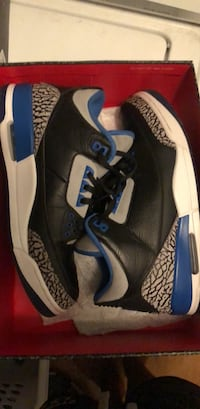 pair of black-and-white Air Jordan 3 Pasadena, 77586