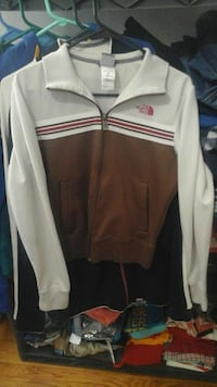 brown, red and white the north face full zip jacket Milwaukee, 53215