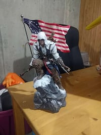 Assassin's Creed 3 collector's edition statue Vancouver, V5R 5X7