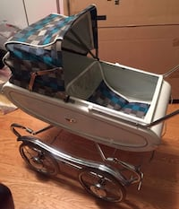 1960s Vintage doll carriage Toronto, M1L 2E9