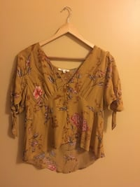 Women's dark yellow and pink floral blouse Gatineau, J9A 3T4