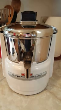 Stainless steel and black juicer  Hagerstown, 21740
