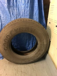 tire 11R22.5 used Washington, 20011