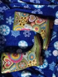 green and yellow floral rain boots Winter Haven, 33880