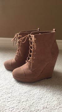 LIKE NEW Size 8 Forever 21 light brown wedge boot/booties King, L0G 1N0