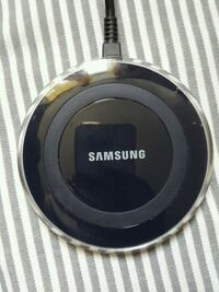 black Samsung wireless charging pad Toronto, M3M 1R9