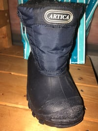 Winter boots size 9  Vaughan, L4H 0V5