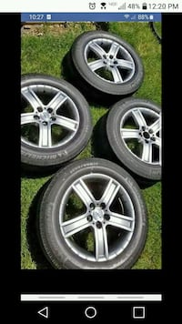 2 sets of rims Chevy/ford