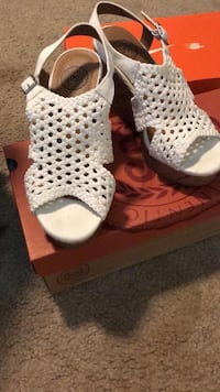 Size 6.5 White Wedges Bakersfield, 93313