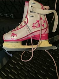 white-and-pink Converse All Star high tops Calgary, T2V 2V8