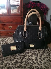 Black LA guess matching satchel and wallet set Pitt Meadows, V3Y 1M4