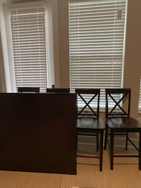 Dining table set and decor